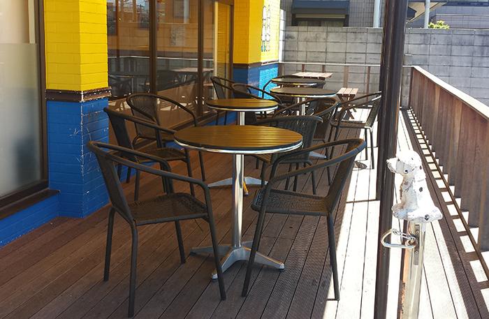 店内食事イートイン・外でカフェテラス